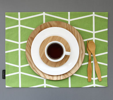 OLIVE GREEN LADDER TABLE MAT