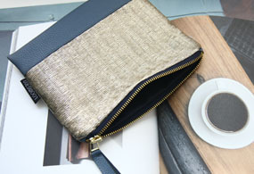 PLEATED POUCH (CHAMPAGNE GOLD)