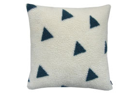 TRIANGLE CUSHION PEACOCK