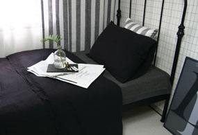 VINTAGE BLACK BASIC BEDDING SET